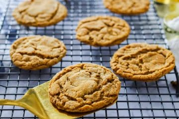 Vegan Ginger Snaps Cookies
