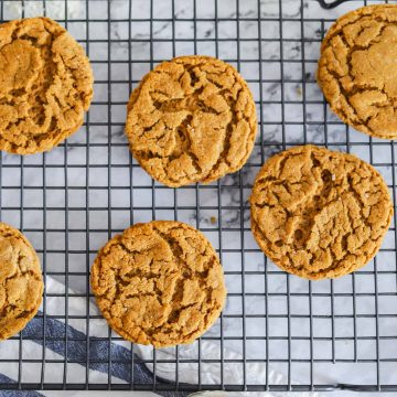 Vegan Ginger Snaps Cookies